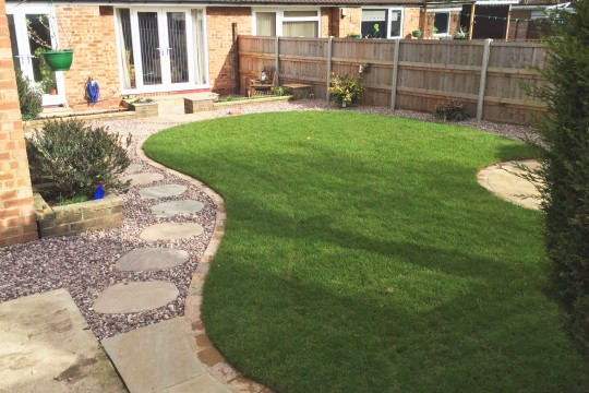 Completed-Rear-Garden-Lawn-and-Paving
