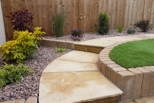 Rear-Garden-Design-Paving