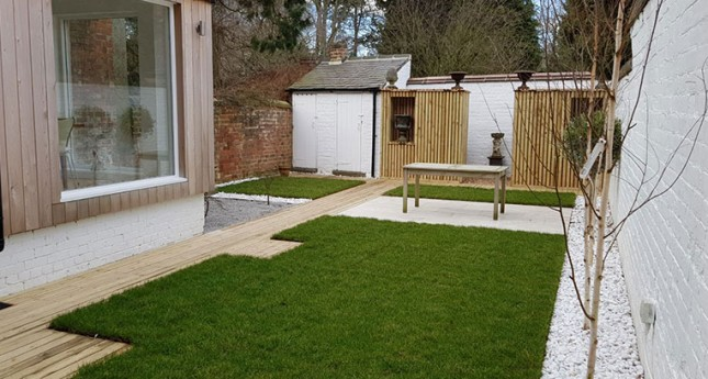 Contemporary-Decking-Garden-Completed