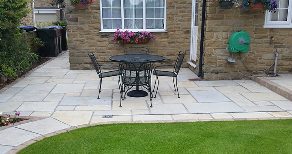 Complete-natural-sandstone-patio