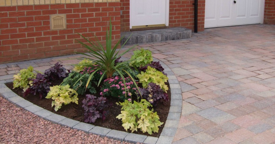 driveway-with-plant-patch