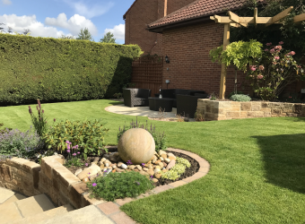 Completed-Farmhouse-Border-and-Lawn