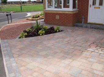 block-paved-driveway-garden