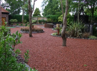 Finished-Large-Garden-with-Gravel
