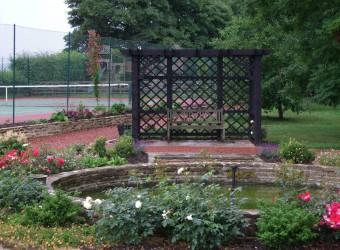 Large-Garden-Design-with-Pergola