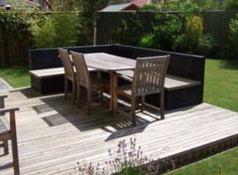 dining-area-on-decking